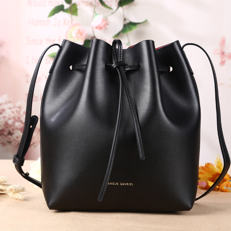 2015-New-Leather-Mansur-Gavriel-Bucket-Bag-Shoulder -Handbags-European-and-American-Leather-Drawstring-Bag-Size.jpg